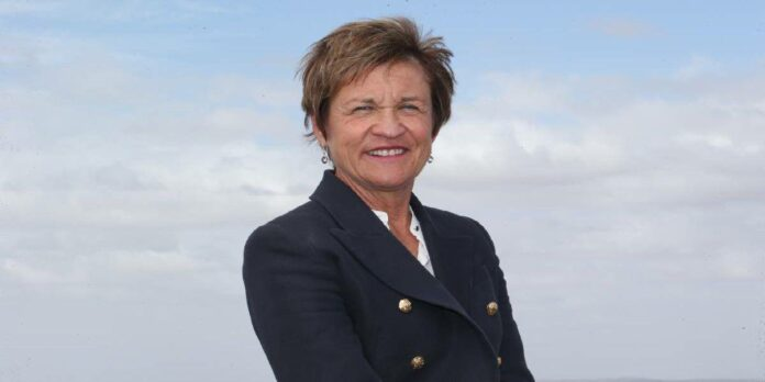 Helen Dalton net worth